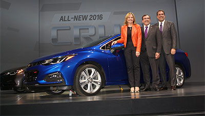 2016 Chevrolet Cruze with (from left) Mary Barra, CEO, General Motors, Alan Batey, Global Chevrolet Brand Chief, and Mark Reuss, Executive Vice-President Global Development, Purchasing and Supply Chain, General Motors.